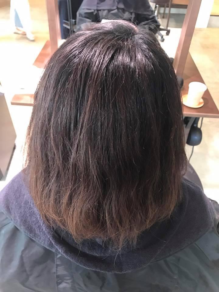 施術写真(パーマの予定→カラー、縮毛矯正を同時に)