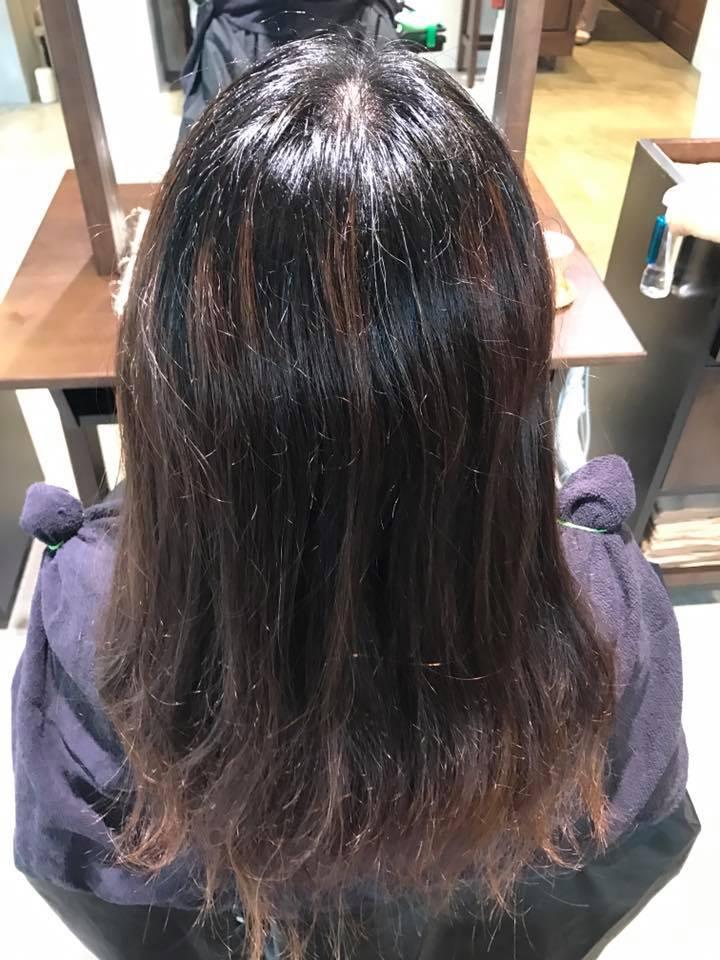 施術写真。縮毛矯正+似合わせカットカラー