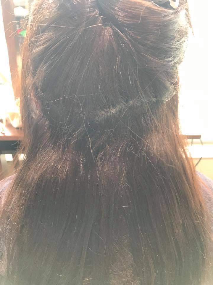 施術写真。細かい縮毛をナチュラルに。
