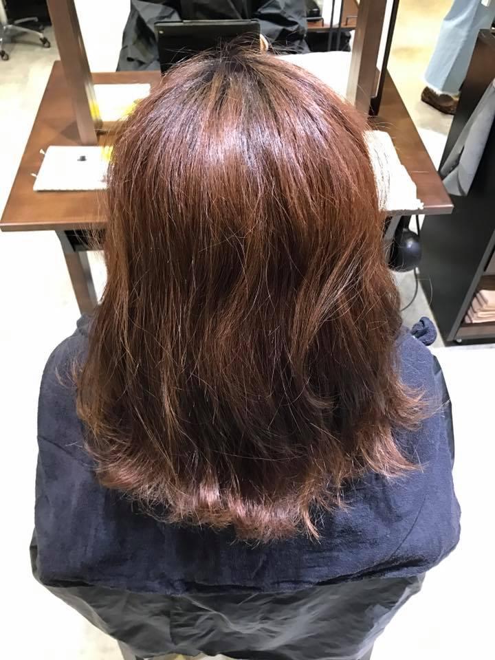 施術写真。縮毛矯正かけたらカラーがきれいになる!?
