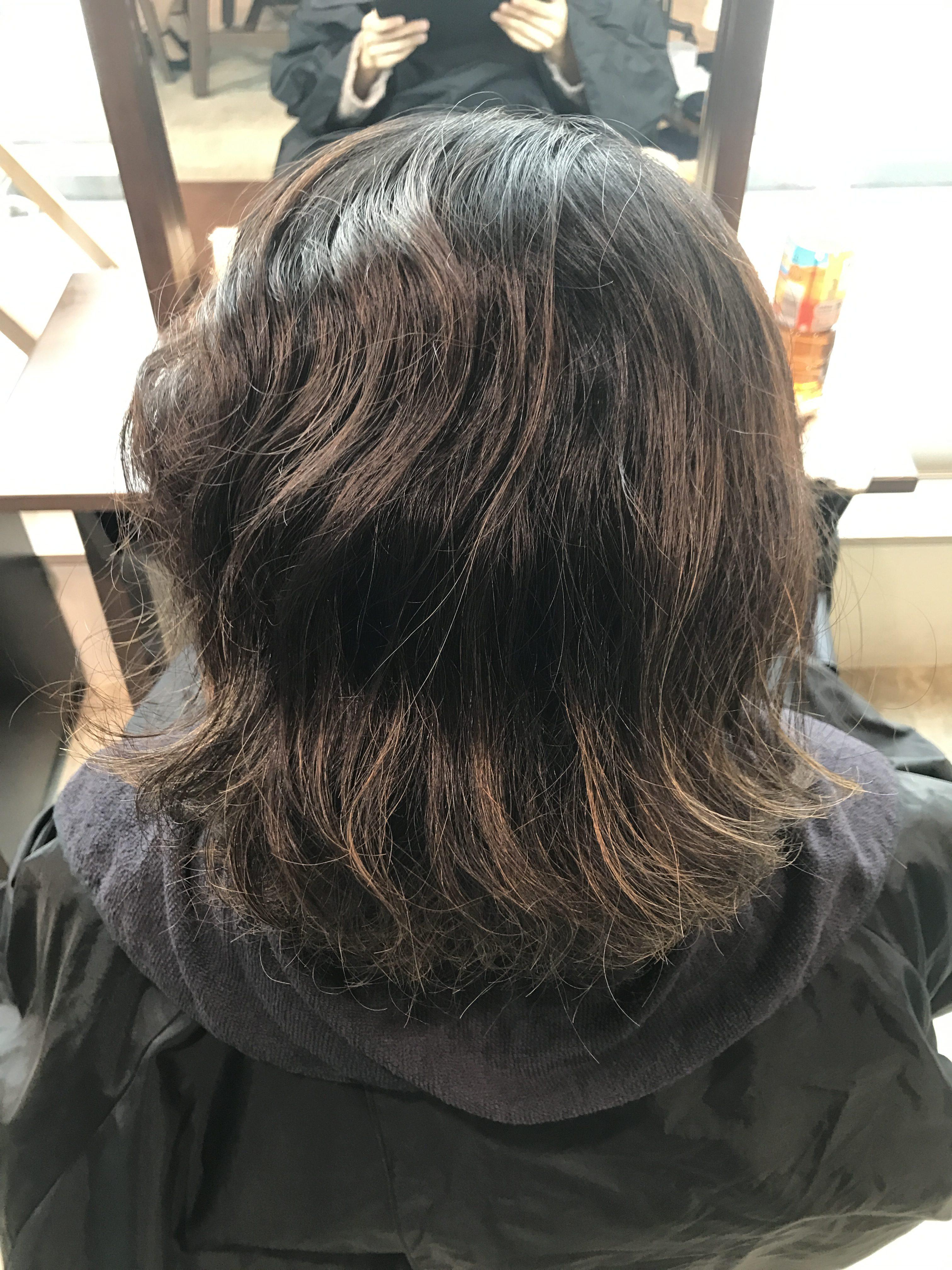 施術写真。髪質硬めしっかり×ハイライト履歴ありのハイダメージ
