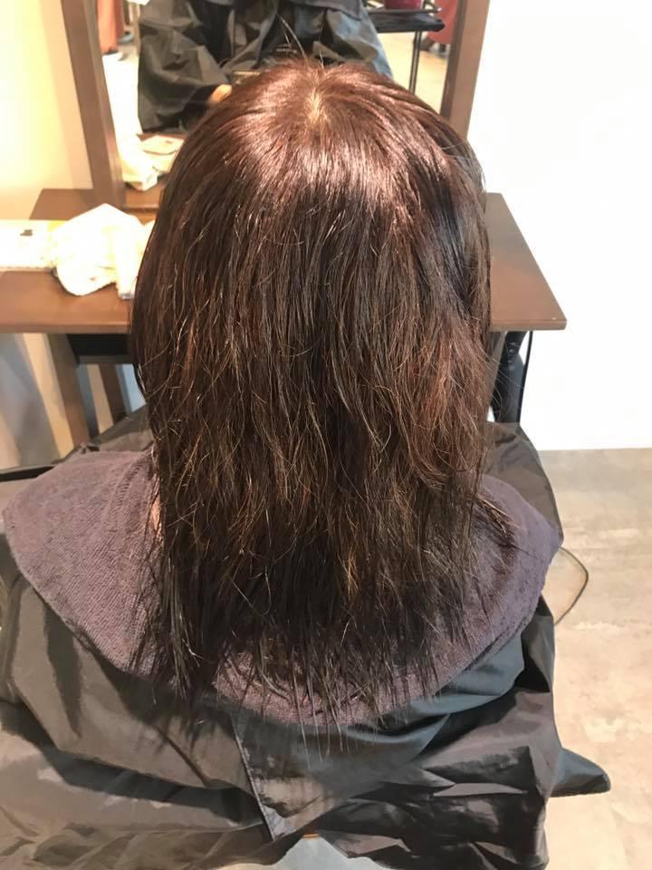 施術写真。一年間ビビリ毛のまま過ごしたお客様。